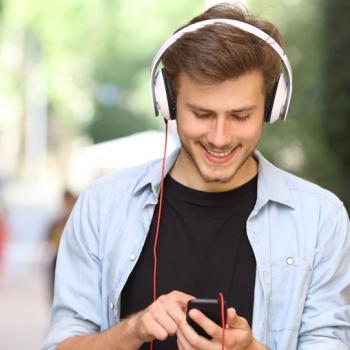 Mann mit Musik